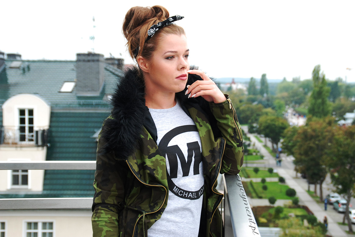 parka moro, military style, parka z futrem, ramoneska futro, moro futro, parka z futerkiem, militarny styl, polska blogerka, blogeka modowa, fashion, MK, michael kors, stradivarius, enjoyment, enjoy, blog modowy polska, polska blogerka , pin up, opaska pin up,